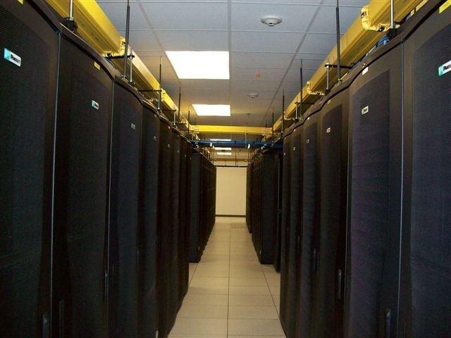 机房卫士数据中心建房建设完工图,老外都来参观
